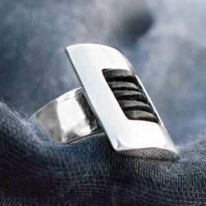 пръстен с кожа 2 квадрат