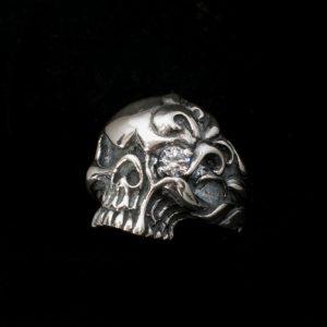 Пръстен череп