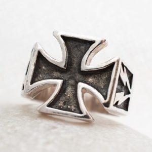 Пръстен Рицарски кръст