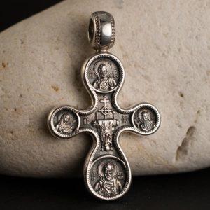 кръст с осем светци