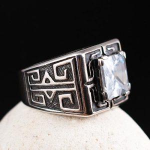 Мъжки пръстен с квадратен камък