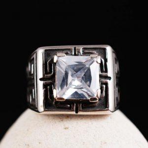 Мъжки пръстен с цирконий
