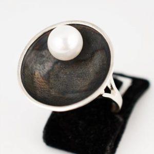 пръстен с патина и перла